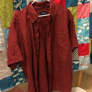 Short sleeve button up maroon